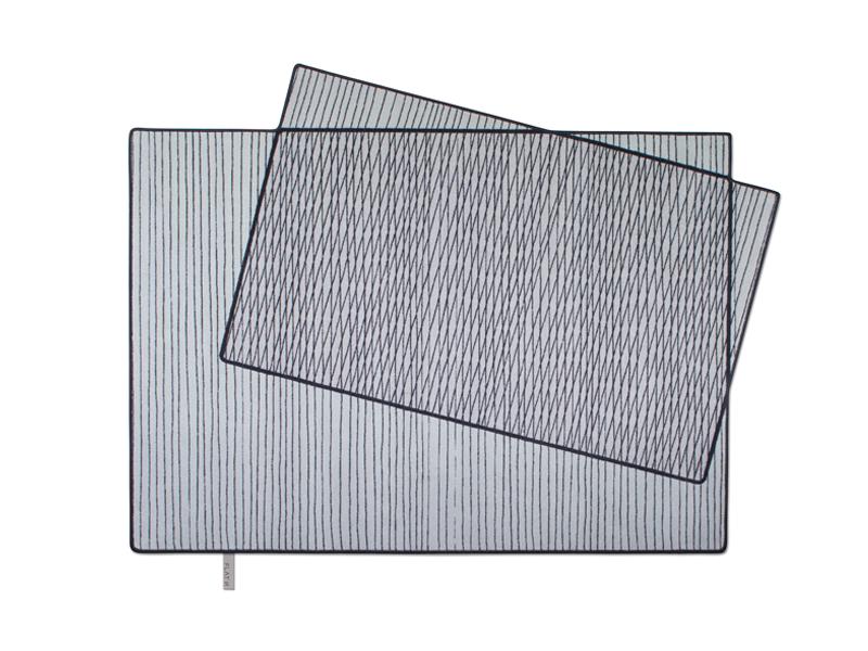 PIXILATED 001- Designteppich mit geomatrischem Muster in Grau Schwarz