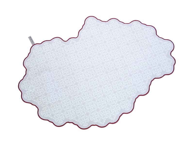 TILES-Teppich mit Fliesenmuster hier von FLATN Koeln kaufen